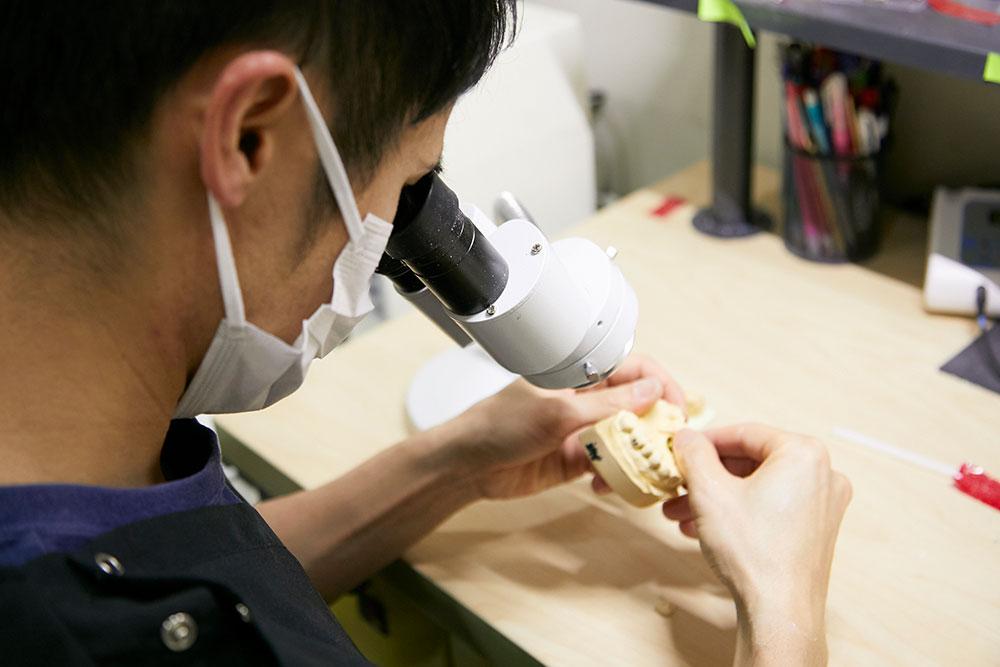 熟練の歯科技工士
